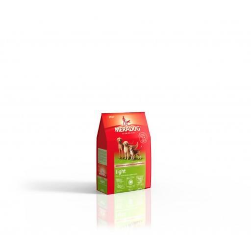 Meradog Light 0.3 kg. Hundefutter für mollige und übergewichtige ausgewachsene Hunde. Mit Odor-Stop gegen Mundgeruch. Ohne Farb- und Konservierungsstoffe. Weizenfrei. Mera Dog High Premium Trockenfutter.