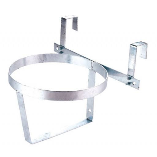 Bucket bracket for hooking