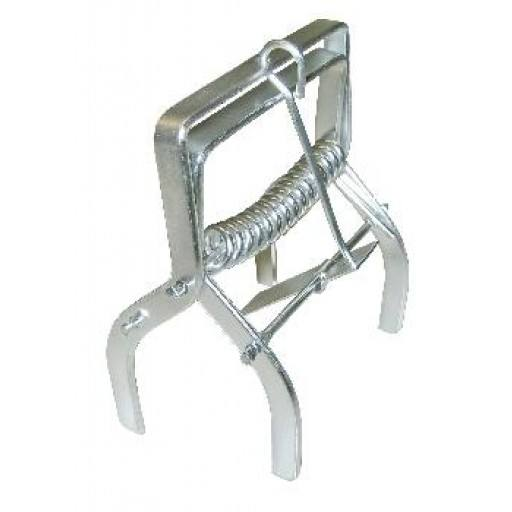 Vole claw trap without grip