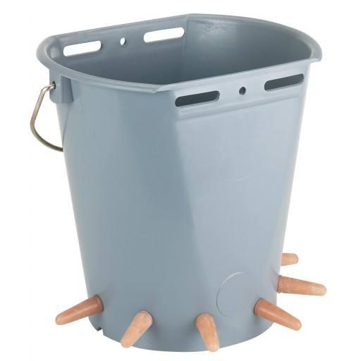 Lamb bucket plastic, 6 suction set