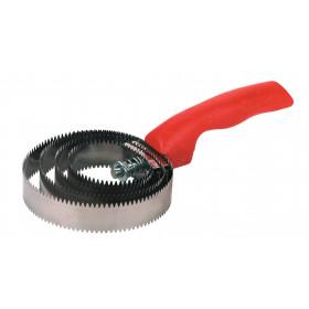 Spiral Striegel, finely serrated